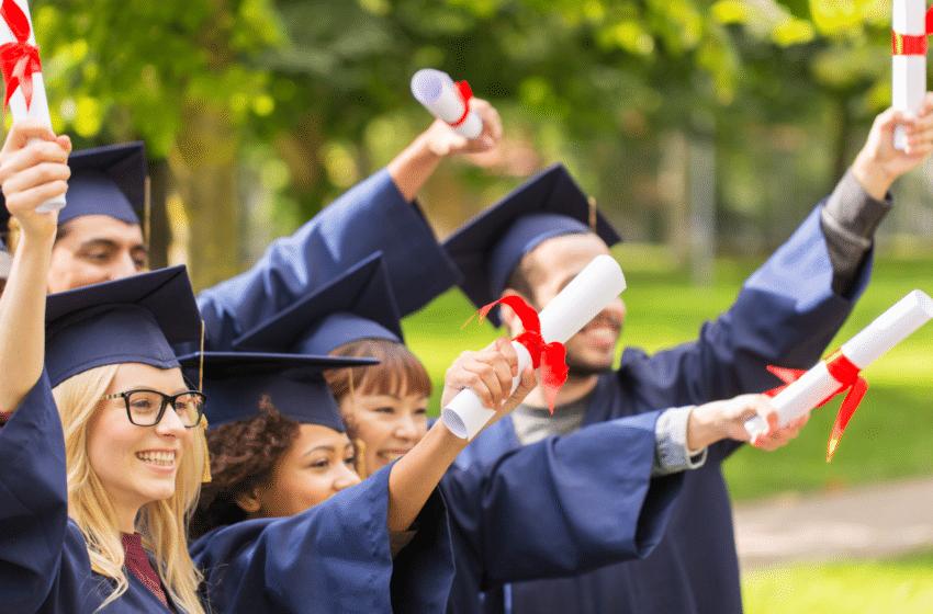 TOP 20 des écoles de commerce où il fait bon étudier selon les étudiants