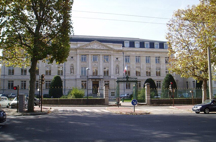 Orange et Mines Saint-Etienne s'allient pour aider les industries françaises