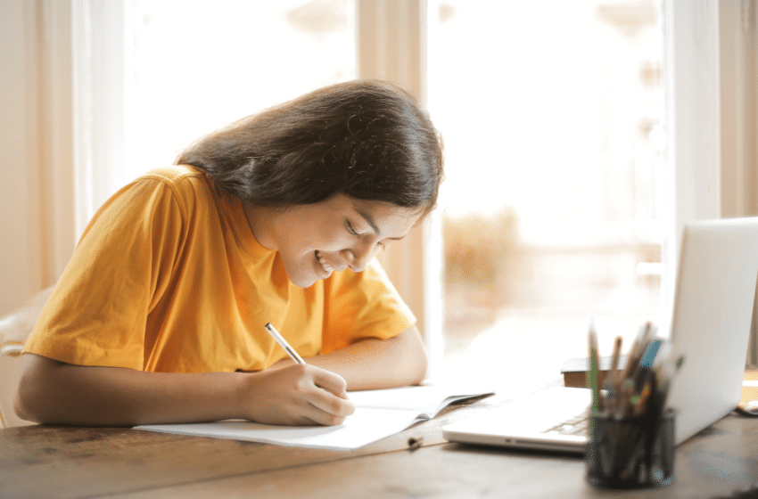 Concilier la préparation des concours AST et la fac